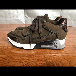 Like new Ash sneakers
